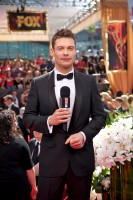 """Si parla del look delle star agli Emmy nello speciale """"Fashion Police"""" in onda su E!"""