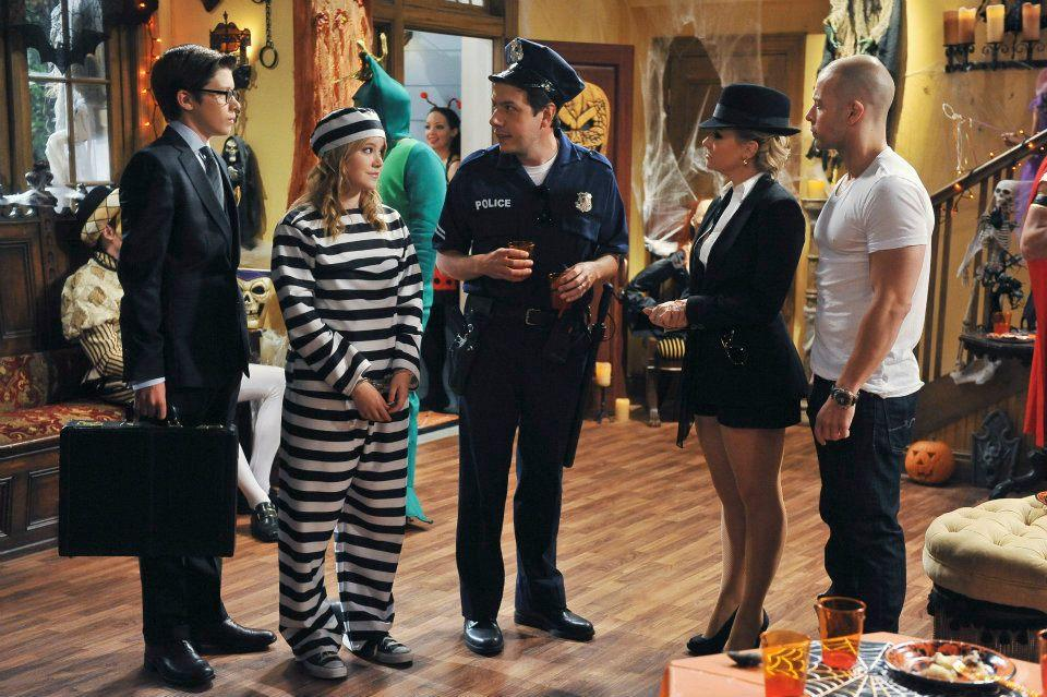 Melissa & Joey (Comedy Central) settimana con tante guest star: O'Bryan, Makkena, Foster, Ratzenberger | Digitale terrestre: Dtti.it