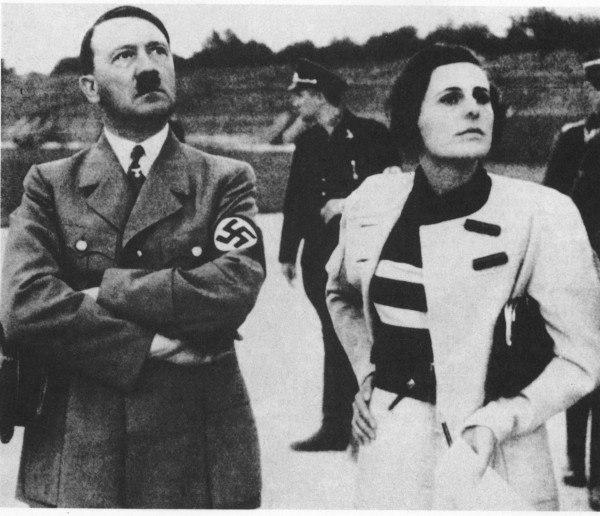 1934 : LENI RIEFENSTAHL with dictator ADOLF HITLER