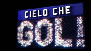 Ospiti di Cielo che Gol! Claudia Gerini, Sara Tommasi, Club Dogo e Il Cile