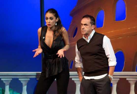 Comedy Central festeggia la fine dell'anno nel segno della comicità romana di SCQR   Digitale terrestre: Dtti.it