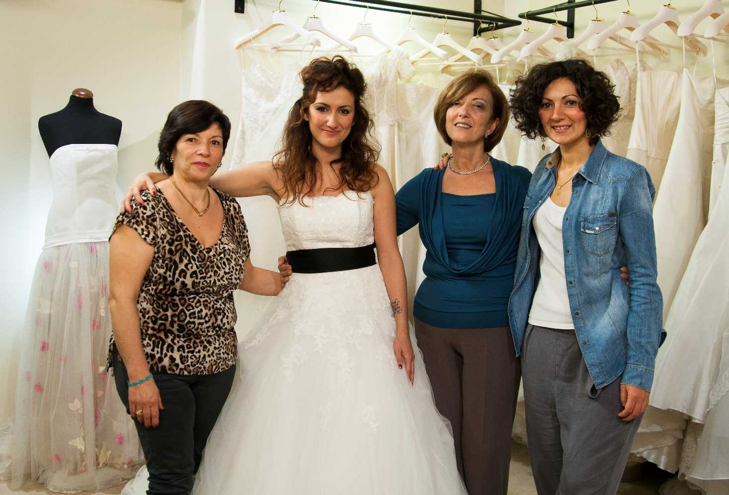Su LeiTv un nuovo episodio di Chi veste la sposa? Mamma contro Suocera  | Digitale terrestre: Dtti.it