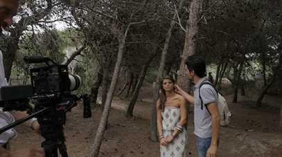 Bellezza, incanto e nostalgia: il backstage del video di Alessandra Amoroso su Real Time   Digitale terrestre: Dtti.it