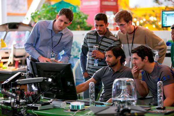 """Arriva su Sky Atlantic HD """"Silicon Valley"""": humor e tecnologia nella serie HBO sul fenomeno delle start up digitali   Digitale terrestre: Dtti.it"""