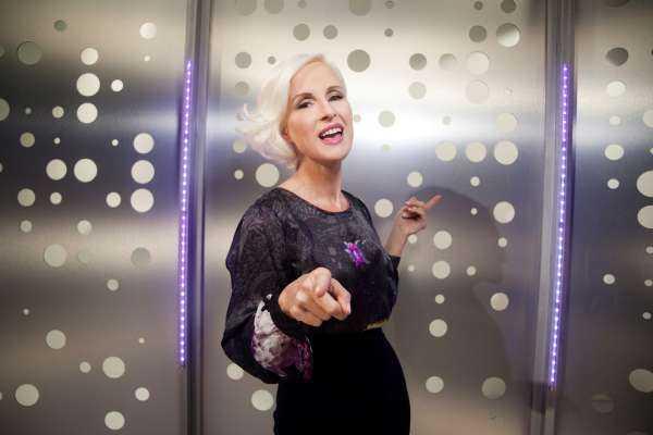 """Torna """"Dire, fare, baciare Italia"""" con Carla Gozzi su Real Time   Digitale terrestre: Dtti.it"""