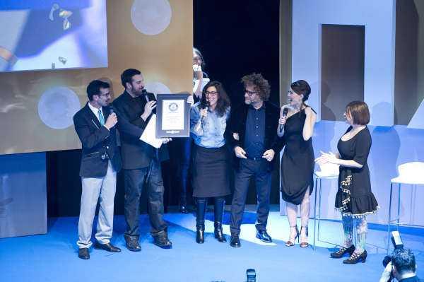 """Discovery Italia nel Guinness World Records per il lancio di """"Hair - Sfida all'ultimo taglio"""""""
