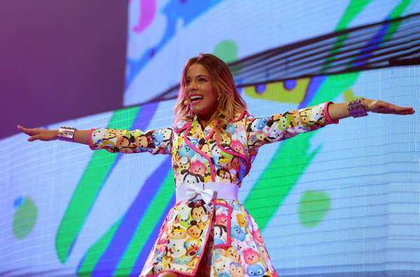 Su Sky Primafila: Violetta Live - International Tour 2015 | Digitale terrestre: Dtti.it