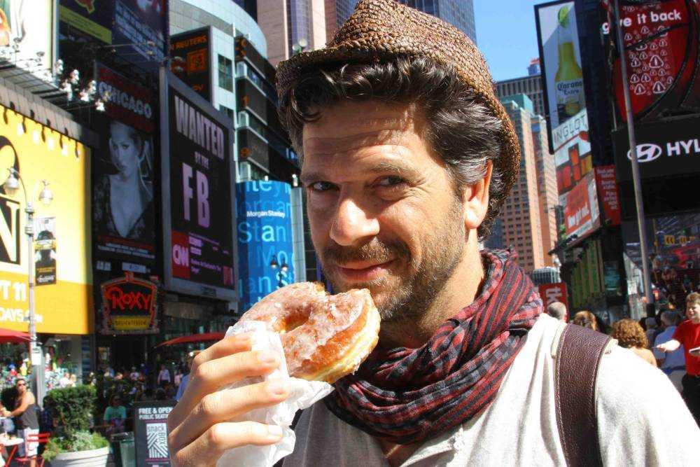 """""""Il Re dello street food"""" e la """"Dolce vita con David Rocco"""" nel pomeriggio di laeffe"""