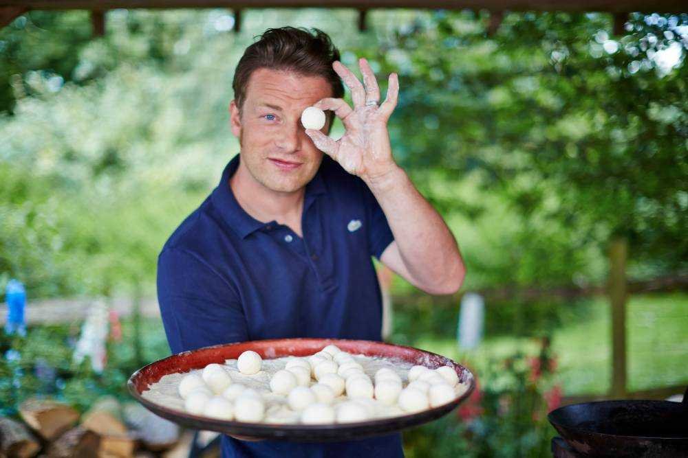Jamie Oliver torna in tv e in libreria con Comfort Food, il cibo della felicità