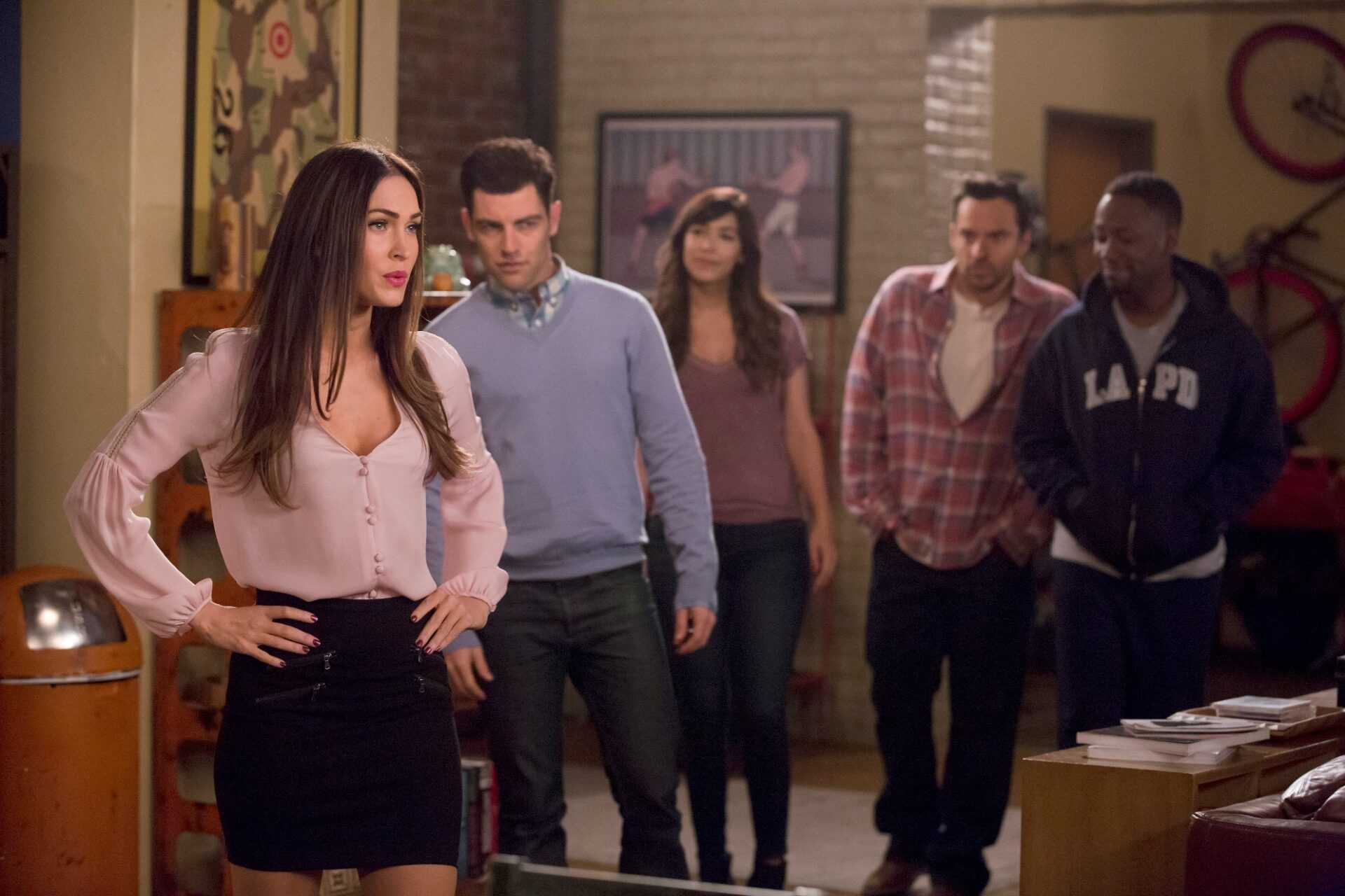 """NEW GIRL:  L-R:  Guest star Megan Fox, Max Greenfield, Hannah Simone, Jake Johnson and Lamorne Morris in the """"Reagan"""" episode of NEW GIRL airing Tuesday, Feb. 9 (8:00-8:30 PM ET/PT) on FOX.  ©2016 Fox Broadcasting Co.  Cr:  Ray Mickshaw/FOX"""