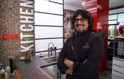 """Su Sky Uno HD torna """"Alessandro Borghese Kitchen Sound"""" e le ricette ispirate ai grandi film"""