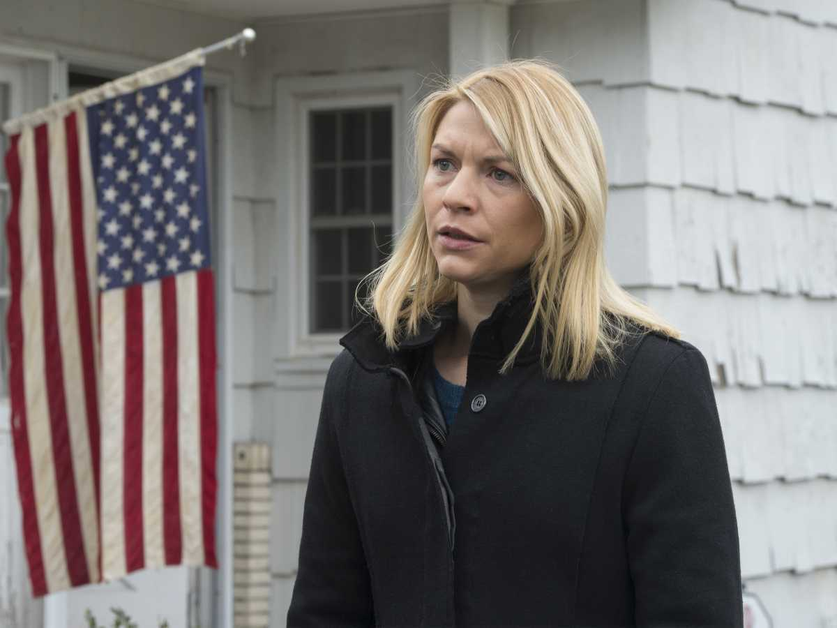 Claire Danes as Carrie Mathison in HOMELAND (Season 6, Episode 12).- Photo:  JoJo Whilden/SHOWTIME - Photo ID:  HOMELAND_611_2298.R
