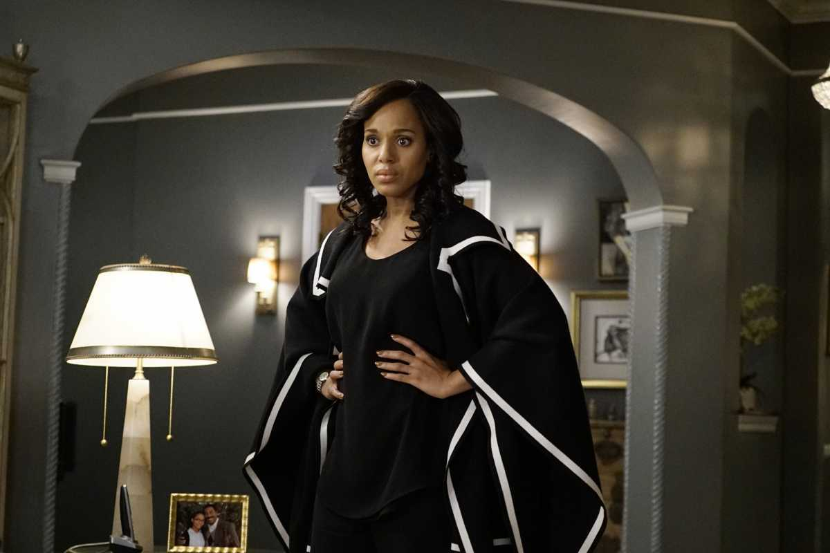 """SCANDAL - """"A Traitor Among Us"""" - After discovering new information about the assassination of Frankie Vargas, Olivia makes a shocking decision and asks Huck to complete one of the most difficult tasks yet, on """"Scandal,"""" airing THURSDAY, MARCH 23 (9:01-10:00 p.m. EST), on The ABC Television Network. (ABC/Kelsey McNeal) KERRY WASHINGTON"""