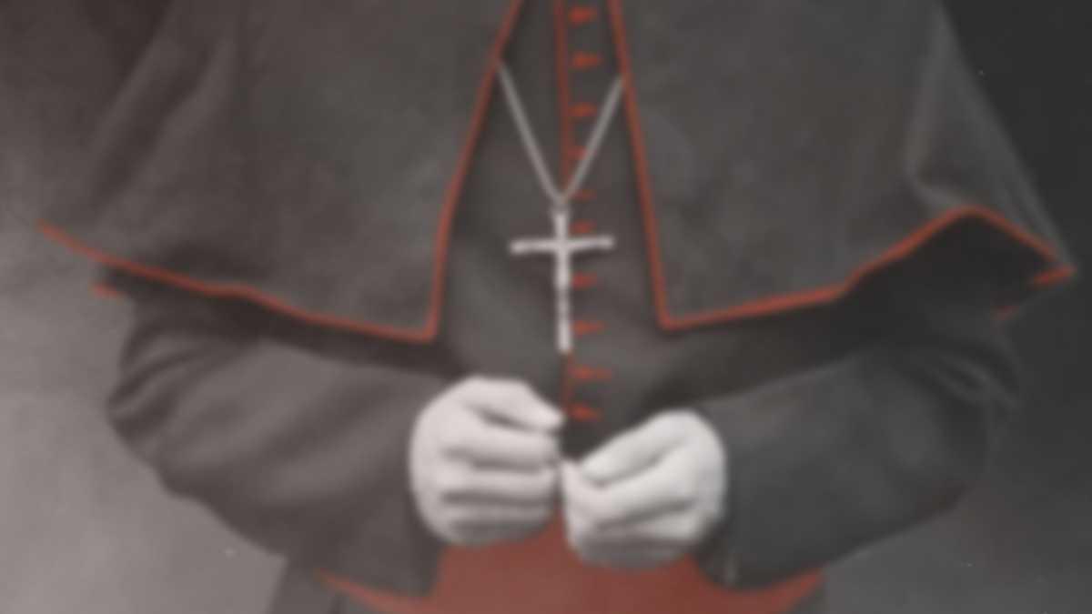 Dietro l'altare (Behind the altar), su laF la docu-inchiesta di John Dickie sui casi di pedofilia nella Chiesa