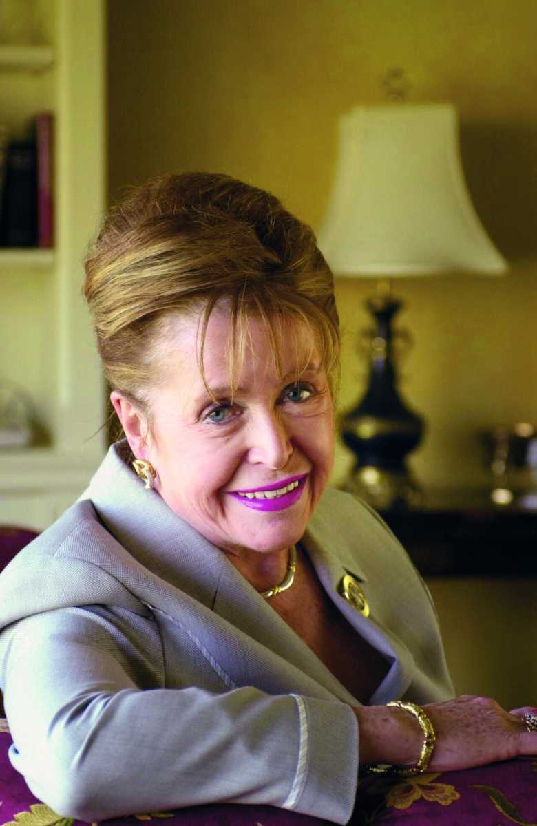 UNITED STATES - MAY 03:  Author Mary Higgins Clark in her Manhattan apartment. She's celebrating 25 years with her publisher, Simon & Shuster.  (Photo by Mitsu Yasukawa/NY Daily News Archive via Getty Images)
