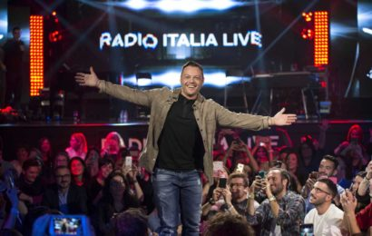 """Su Real Time torna la musica italiana di """"Radio Italia Live"""" primo appuntamento con Tiziano Ferro"""