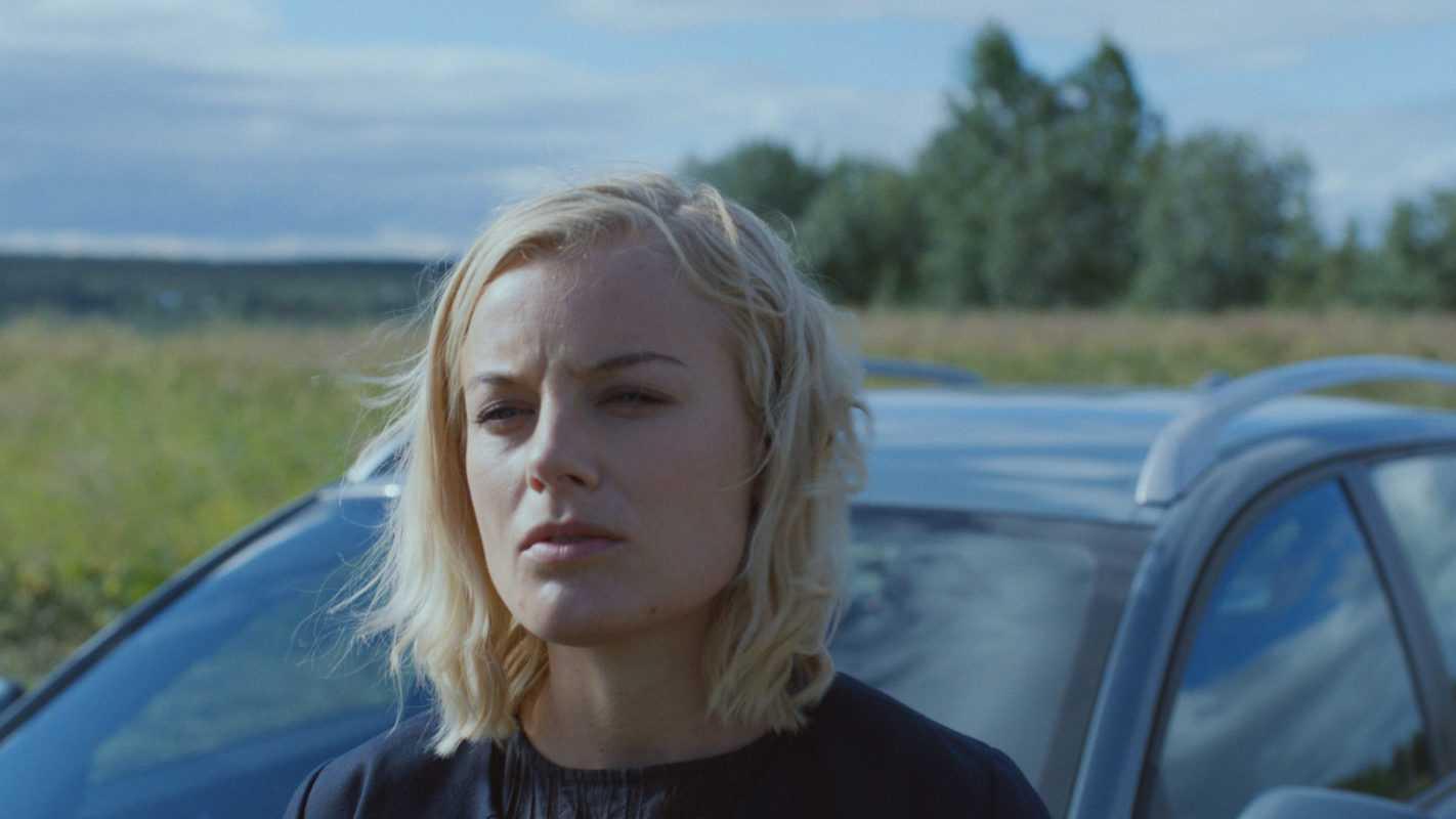 Rebecka Martinsson. Säsong I, episod 1. 2017. Ida Engvoll som Rebecka Martinsson.