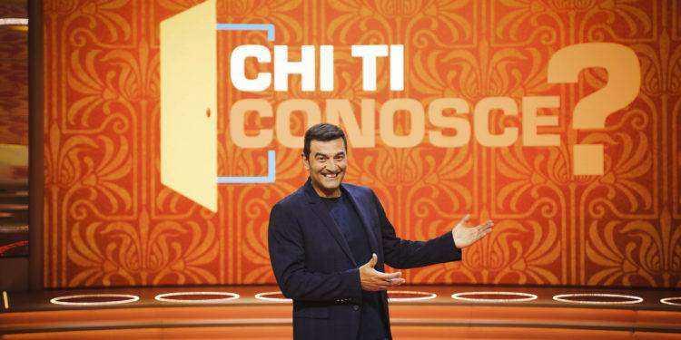 """Al via il nuovo game show con Max Giusti """"Chi ti conosce?"""" sul Nove"""