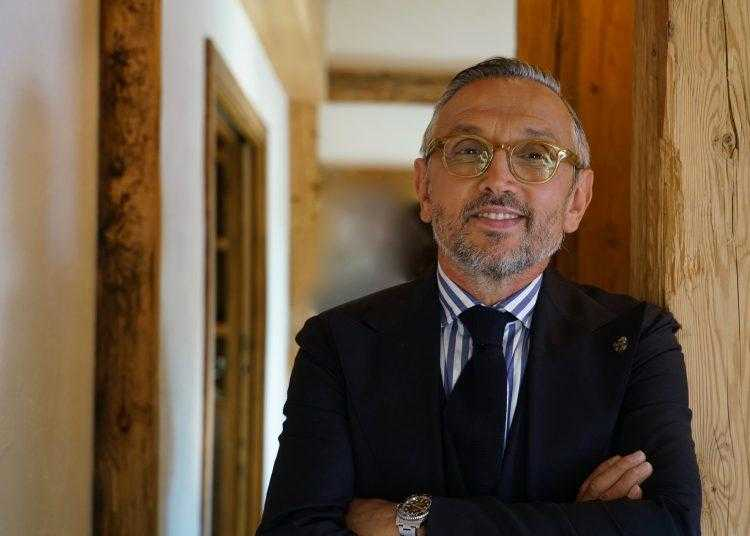 """Arriva su TV8 in prima tv free """"4 hotel"""" con Bruno Barbieri"""