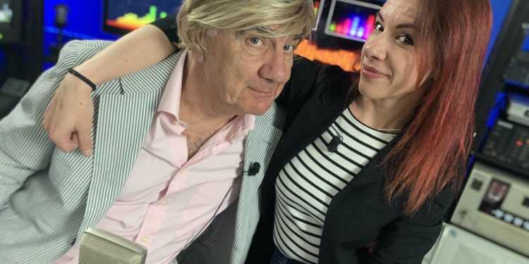 """Gene Gnocchi conduce con la figlia Silvia """"Radio Molla"""" su Zelig Tv"""