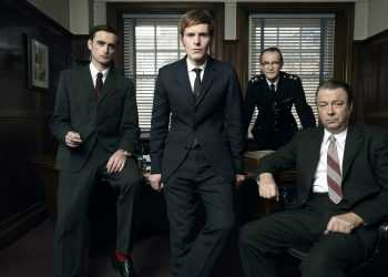 Mammoth Screen Ltd presentsENDEAVOUR for ITVPicture shows:  SHAUN EVANS as Endeavour, JACK LASKEY as DS Peter Jakes, ANTON LESSER as Ch Supt Bright and ROGER ALLAM as DI Fred Thursday© ITV / MammothFor more info please contact Pat Smith at patrick.smith@itv.com or 02071573044