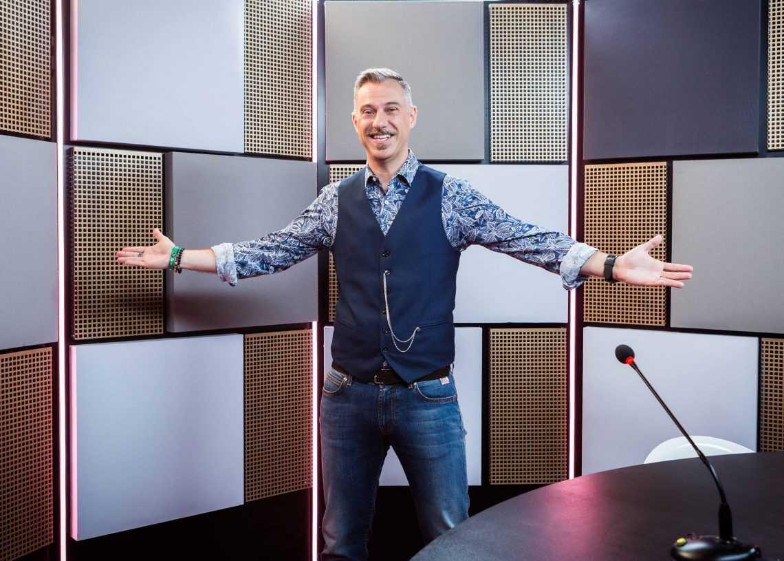 """Nove: Gabriele Corsi con """"Deal With It - Stai al gioco"""" a Gennaio approda in prima serata"""
