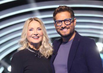"""In esclusiva su Sky Alessandro Siani con """"Stasera felicità"""""""
